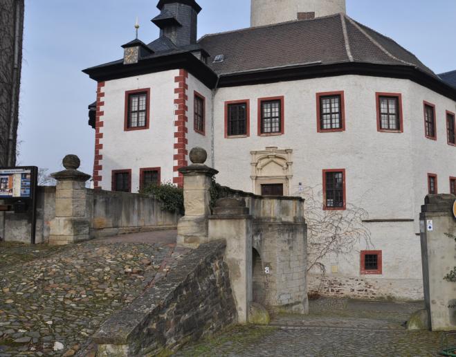 Burg P 9