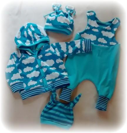 Hooded Baby Jacket von Kid5, Strampelienchen von Pom&Pino, Mütze eigener Schnitt